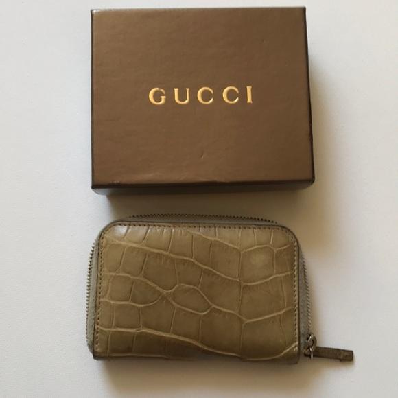 Gucci accessories crocodile card case wallet poshmark gucci crocodile card case wallet colourmoves